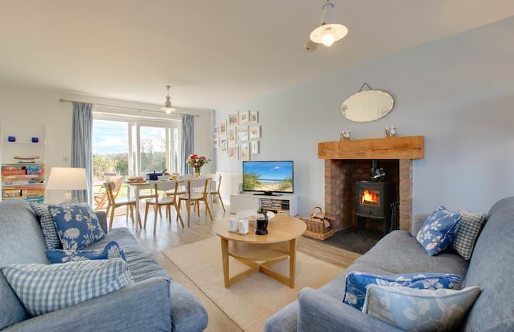 Bumblebee Cottage Filey with fab sea views