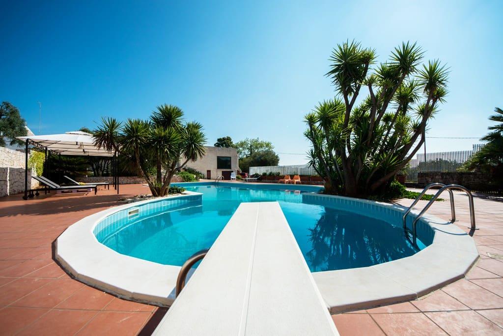 Villa con piscina ville in affitto a cisternino puglia italia - Villa italia piscina ...