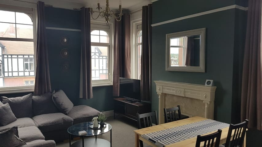 Period property in heart & centre of Lytham. 2 bed