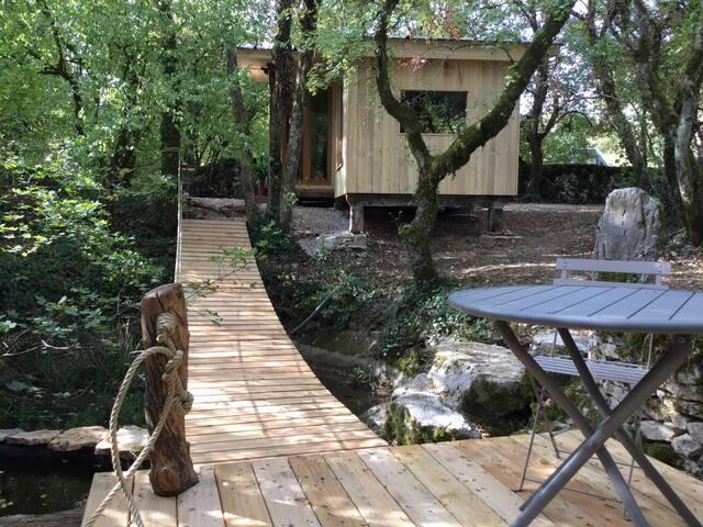Cabane insolite Mas de tourel avec spa Lot