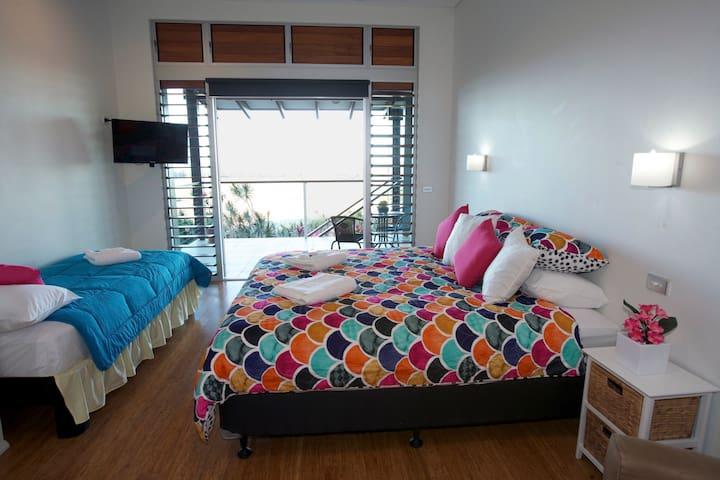 Jade Ridge Port Douglas - Bedroom for 3 guests