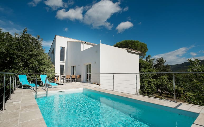 Exclusive Villa with pool and breathtaking views - Lamalou-les-Bains - Casa