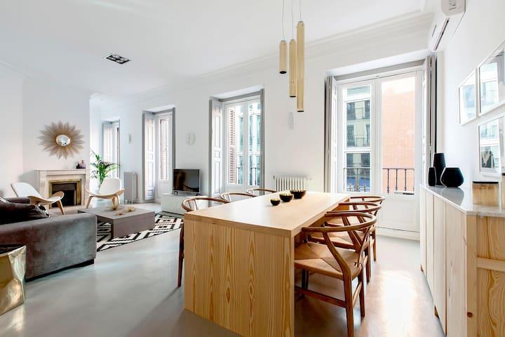Luxury apartment GRAN VIA / CALLAO