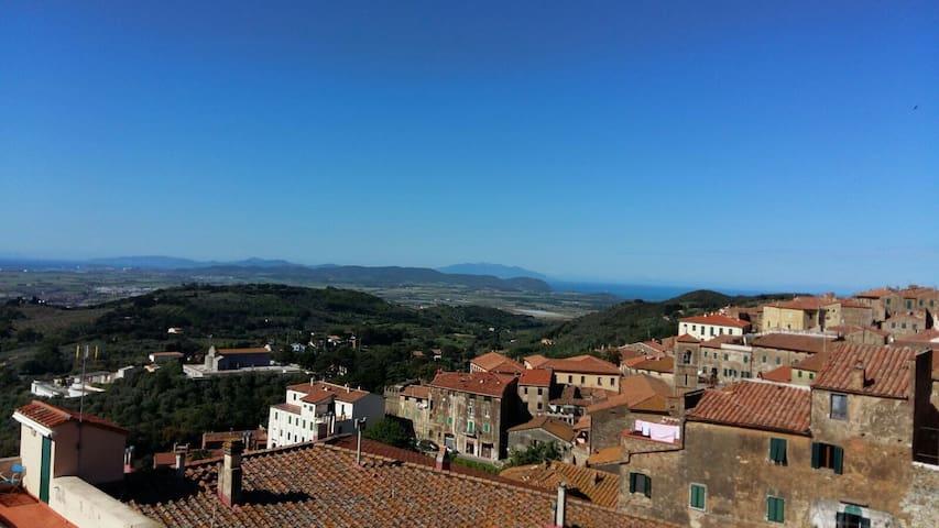 Bilocale-centro storico-vista mare