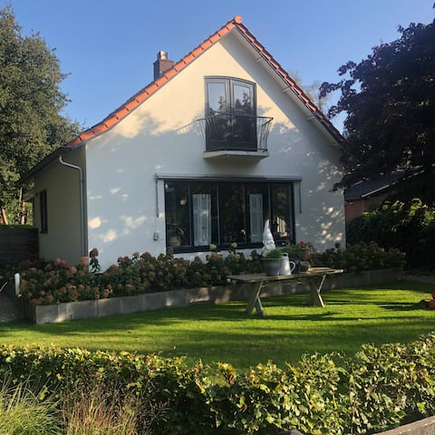 Near Apeldoorn incl. breakfast, 2 tbsp. bicycles, air conditioning