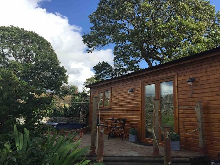 The Cabin, Dyffryn Ardudwy(sea views)
