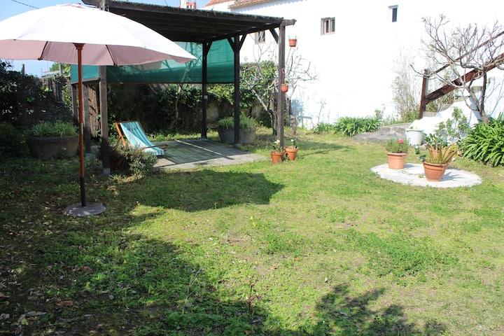 "Casa en Playa América con jardín. ""A Rabina"""
