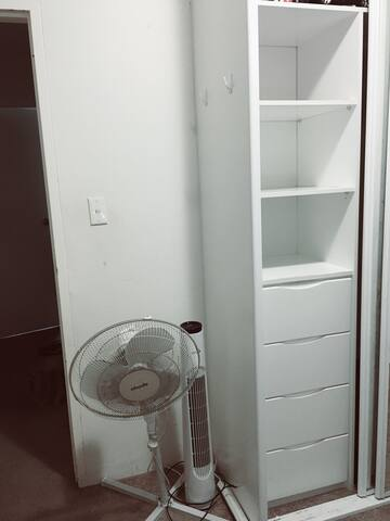 Single bed room available at Macquarie Park