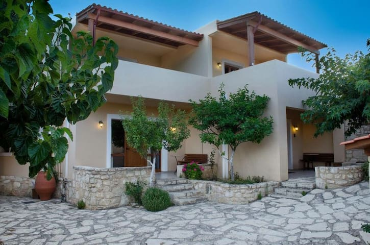 Traditional villa - Kato Asites