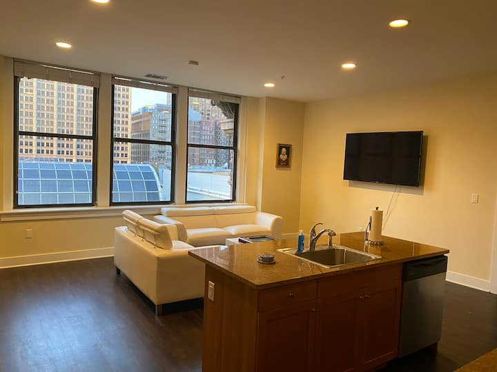 Trendy city center apartment