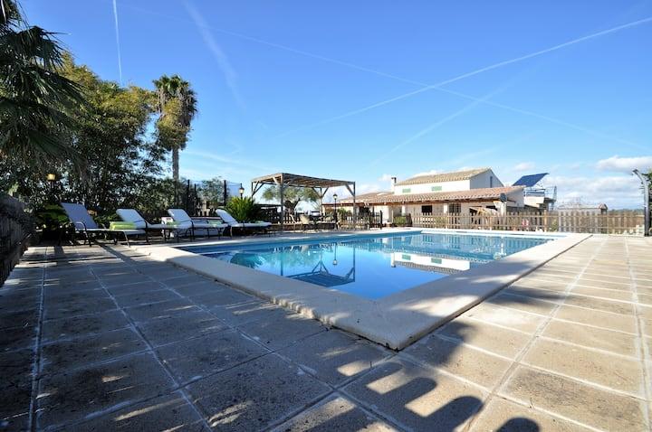 Villa Son Vanrell con gran piscina