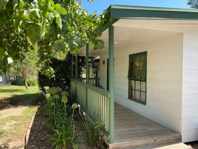 Goulburn Cottage - Fernleigh Accommodation