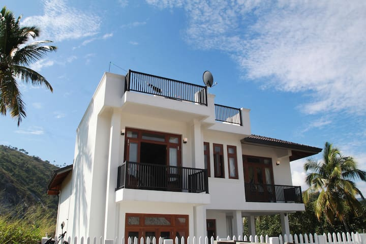 Beautiful Big Home in Haragama, Kandy