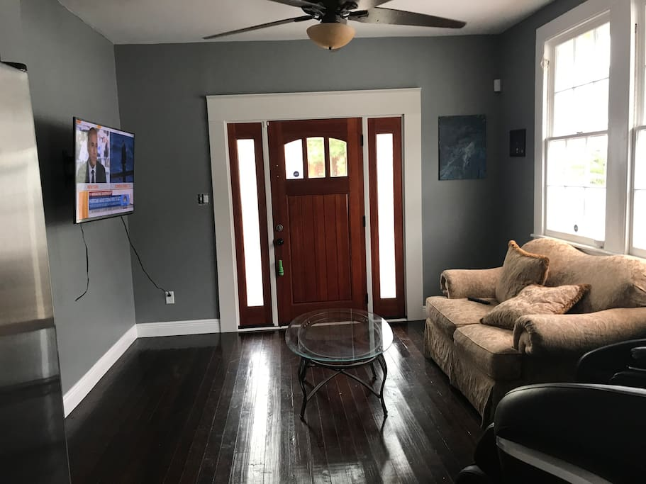 Cozy living room with broadcast TV. You may use a Google or Kindle stick to watch your favorite series and choice of films.