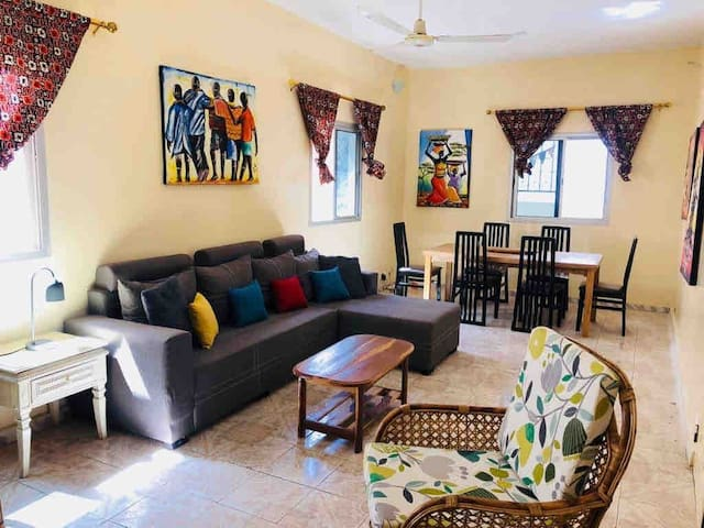 Fadidi House - Artistic house great for groups