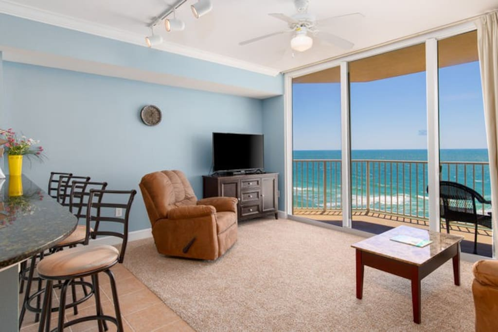 Spectacular 11th floor views of the World's Most Beautiful Beaches!