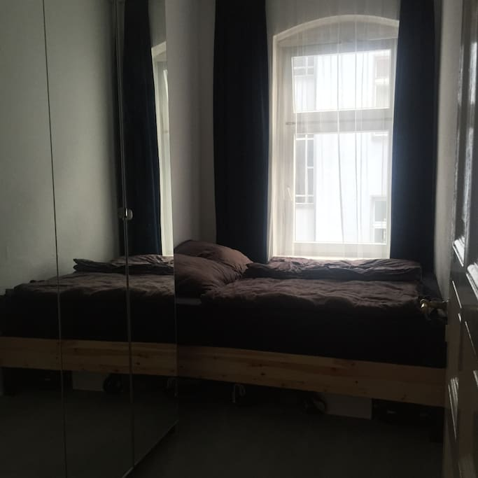 Bed Room/Schlafzimmer