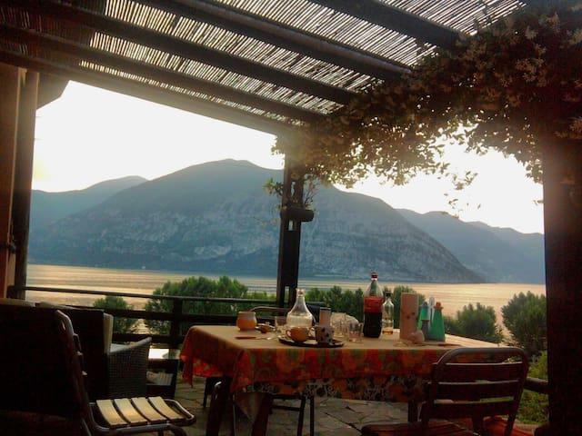 Casa al mulino, terrazza vista Lago d'Iseo-Christo - Iseo - Appartamento