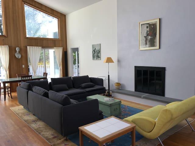 Light, spacious, Wainscott retro-modern with pool