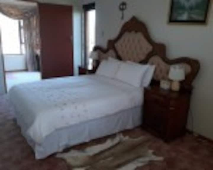CLEARVIEW CRESCENT LODGE: Honey moon