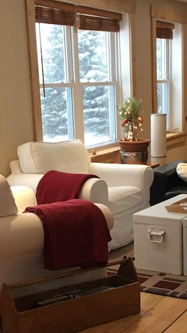 Chic Shack, Tremblant, 8 min to skiing Tremblant