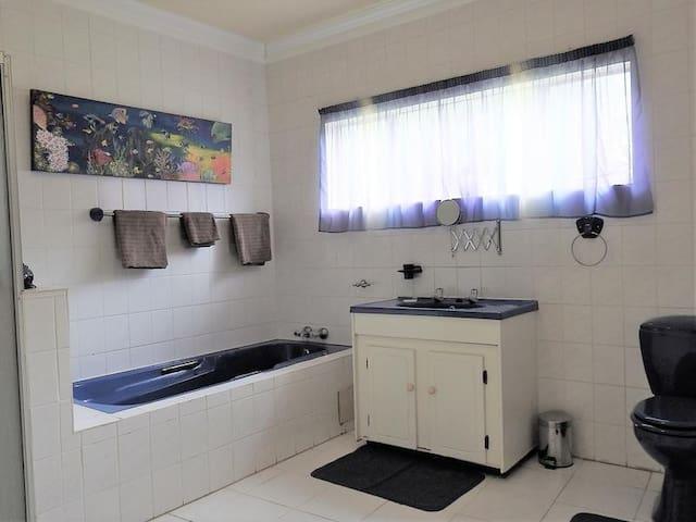 Tau & Nyati Room photo 1