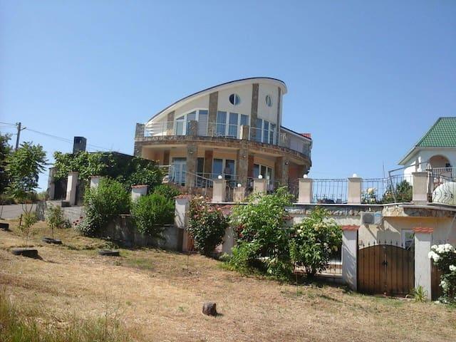 Сдам Дом 75 метров от моря. - Odessa - Misafir suiti