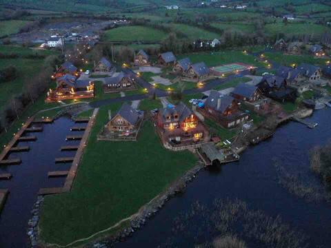 Lakeside Family Lodge