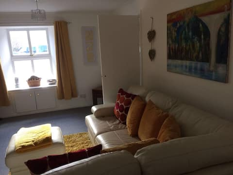 Beautiful townhouse in the heart of largs