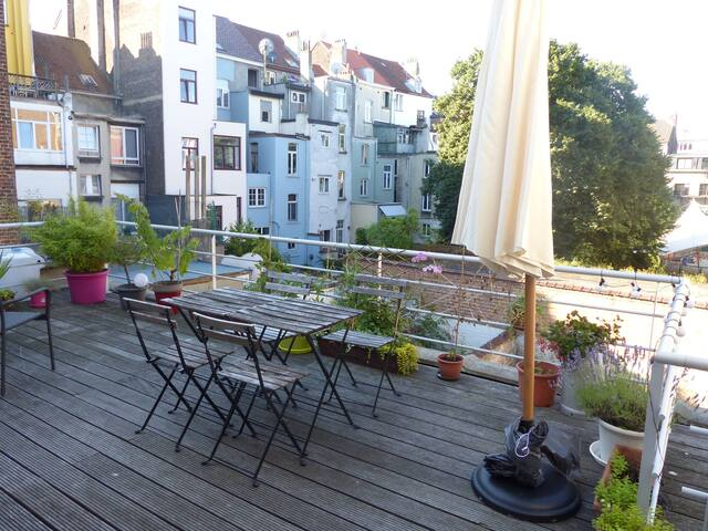 Spacious duplex  with big terrace - Saint-Gilles - Apartamento