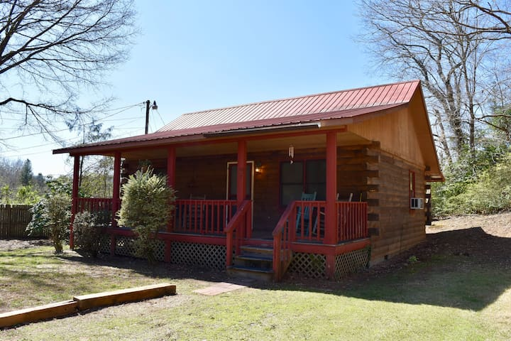 Little Cabin in the Smokies | Minutes to Harrah's