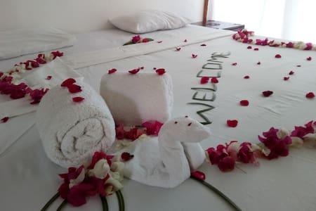 Camera 21 primo piano, bagno privato, piscina - Malindi