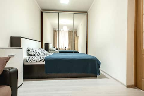 Apartemen tiga kamar dekat Katedral Isaac!