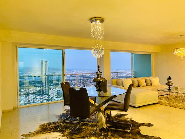 Luxury apartment in the best area 24/7 Security