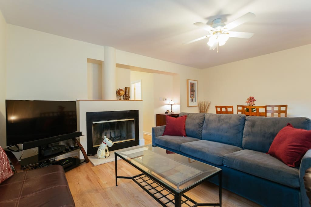 """and end tables, ceiling fan and gas fireplace. A 50"""" Vizio TV and soundbar(with Bluetooth & WiFi connect), RCN"""