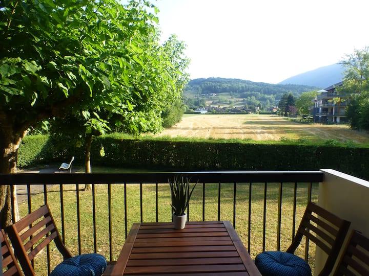Appartement T2  lac d'Annecy vue sur la montagne