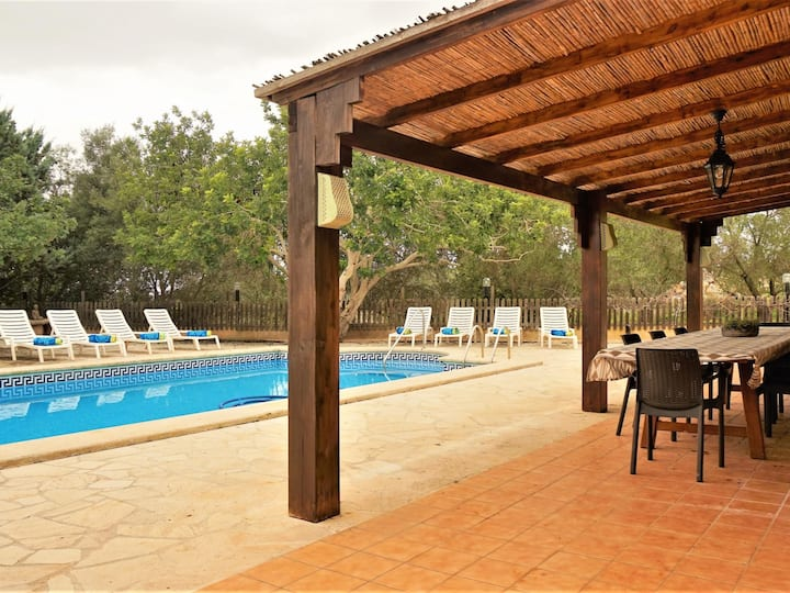 Ca Na Beu - Finca with swimming pool on the outskirts of Santanyi