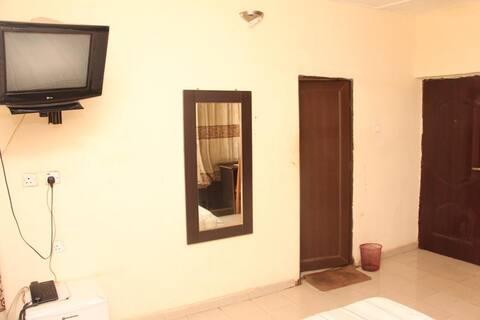 Sapphire Guest House - Ambassador Room