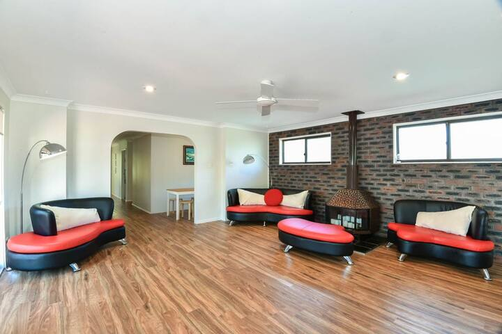Noraville Family Holiday House
