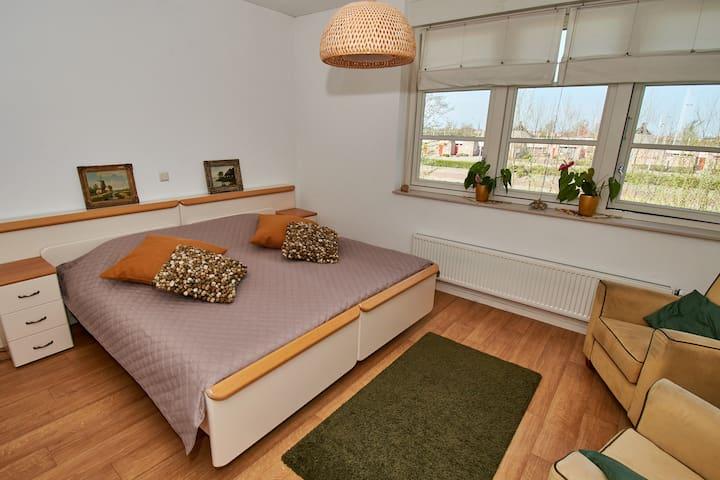 Gezellige kamer in dorpsvilla (max 2 pers.)