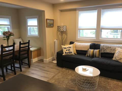 Fully renovated home. (56)