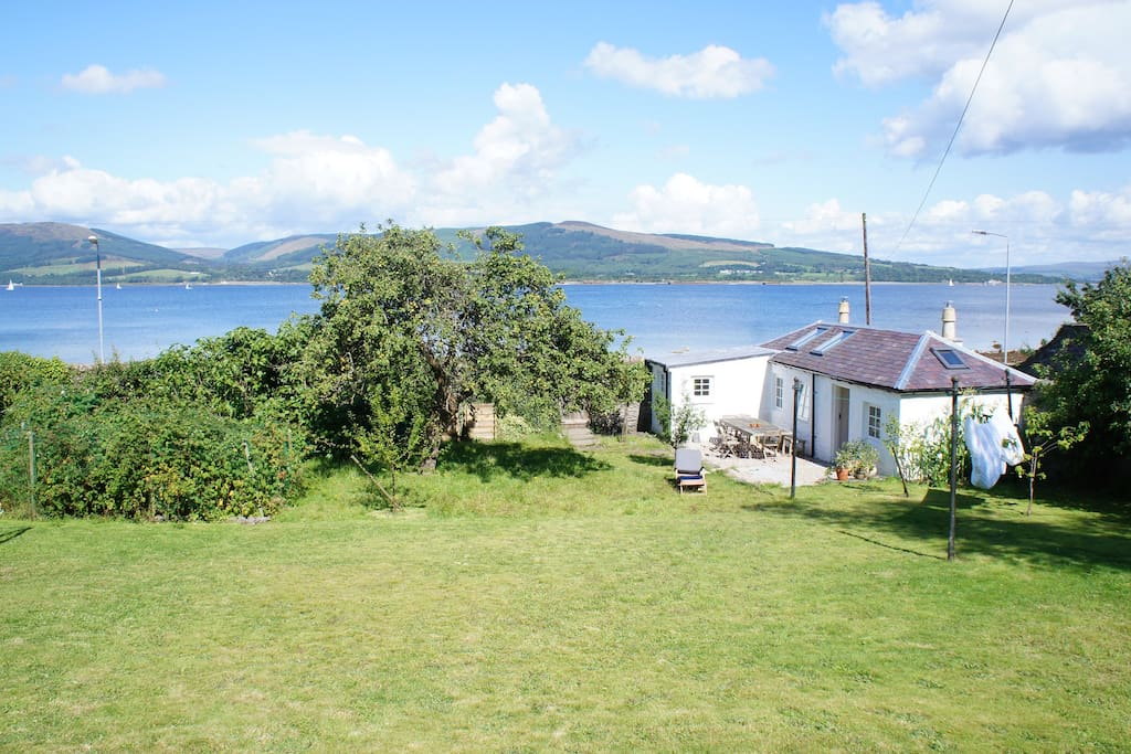 View of the cottage, an optional extra when booking the house.