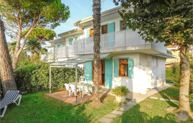 Awesome home in Bibione with 2 Bedrooms