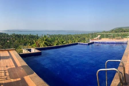 Infinity Pool Ocean View!! - Symphony by Kabella