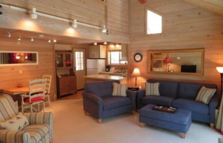 Trail Cabin 008