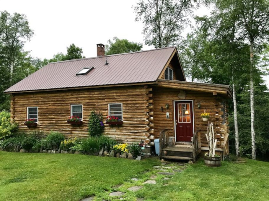 Peaceful Log Cabin With A View For Rent In Albany