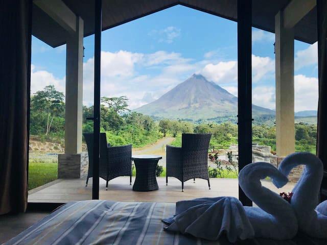 Nirú Rainforest Suites,frente al Volcán Arenal