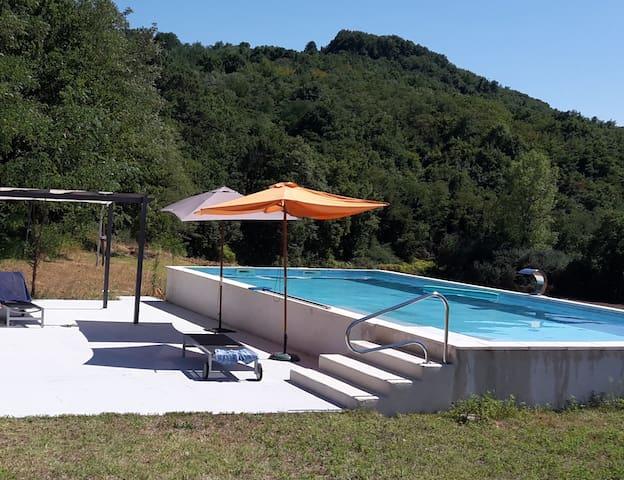 Maison moderne avec piscine - Charmes-sur-l'herbasse - Casa