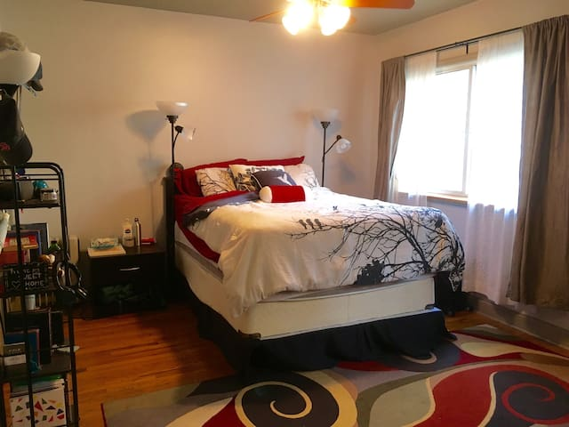 Large Bed/Bath Mins from Dwntn NYC - Hoboken - Appartement