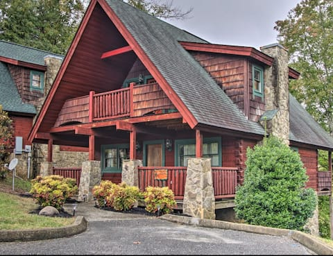 Pigeon Forge - Hot Tub | King Bed | Pet Friendly